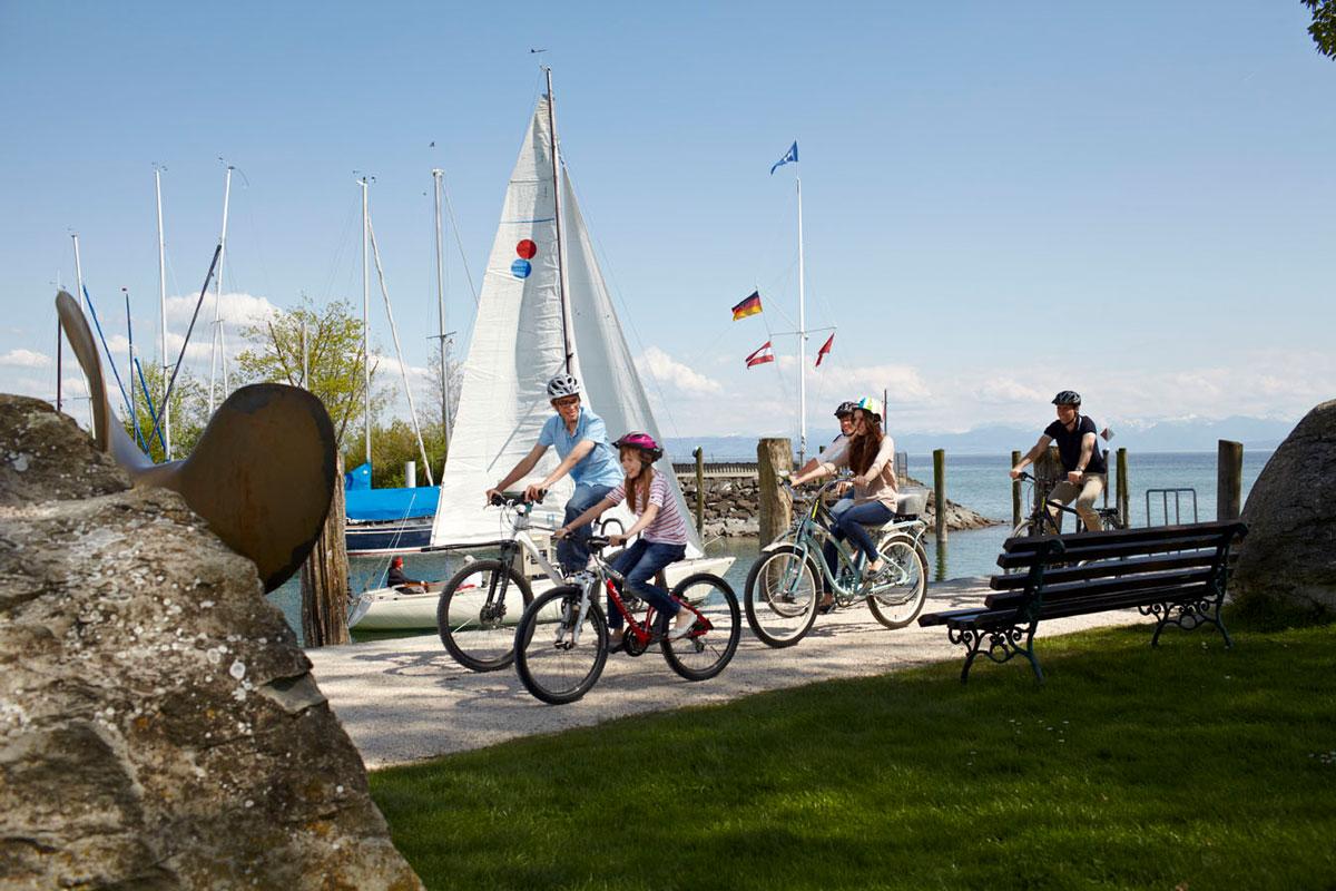 ferienhof-gomeringer-fahrrad-und-segelboot-immenstaad